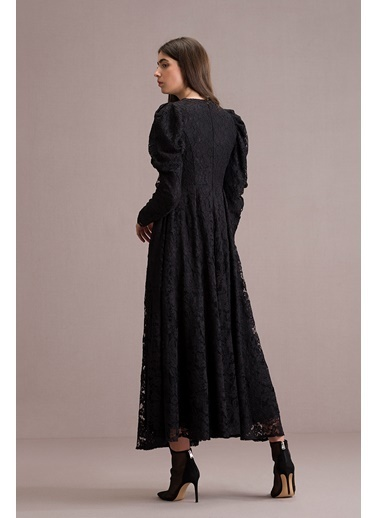 Eda Atalay Balon Kollu Dantel Elbise Siyah